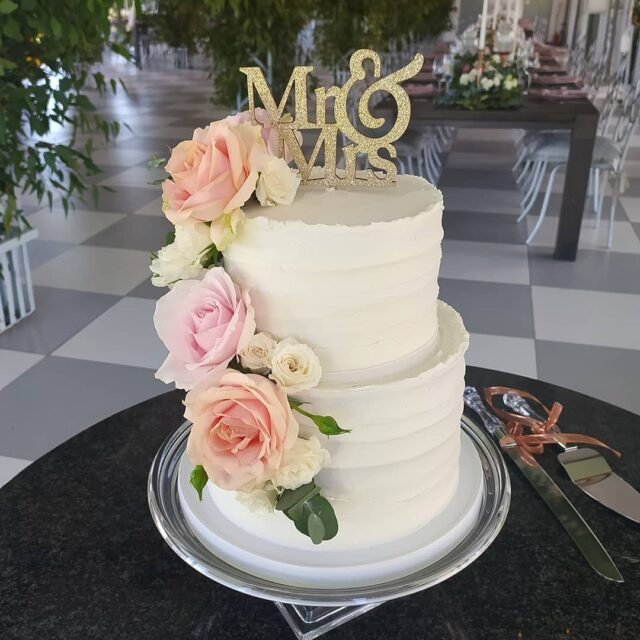 WEDDING SEASON IS HERE!  💍💒💘 Spring is knocking on our doorstep and weddings are back!  We're seeing lots of enquiries for smaller cakes like this little two tier we did at @belair_pavilion with @trunkevents earlier this year 💍💒💘 This cake had layers of lemon and poppy sponge, lemon curd and zesty buttercream - a favourite during the warmer summer months 💍💒💘 We're still trying to catch up with weddings that couldn't take place over the initial lockdown period in 2020, so if you need to book your wedding cake rather do it sooner than later - some weekends are close to, or already booked up, so get in touch via our nifty wedding cake form on our website  💍💒💘 #weddingcake #weddingcakesofinstagram #crumb #crumbcakes #cakeme #weddingcakes #wedding